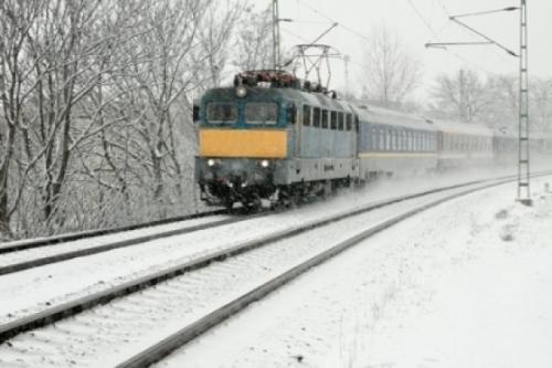 intarzieri trenuri  Din cauza gerului, trenurile circulă cu viteze reduse în Regionala Galaţi şi au întârzieri