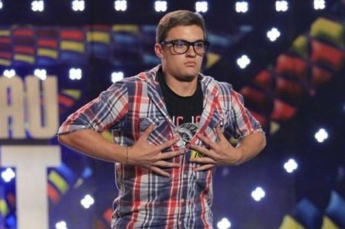 """ee2dd27bbc5da383ef30764c345a6681 L  Un tecucean şi un gălățean la """"Românii au talent"""". Talent şi antitalent într-un show televizat"""
