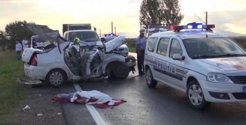 accident cosmesti6 1024x524  VIDEO și GALERIE FOTO: Doi fraţi au murit într-un accident la Doaga
