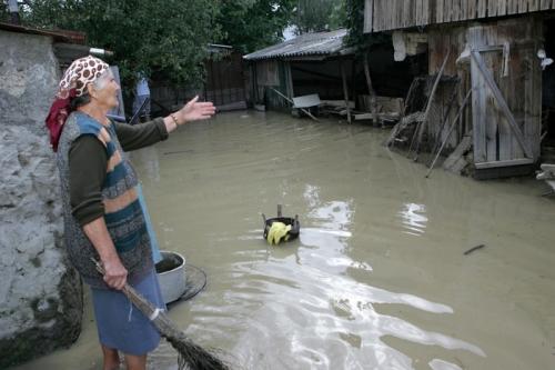 inundatii galati  Situaţia caselor şi infrastructurii distruse în urma inundațiilor
