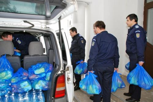 donatie2  Caravană umanitară a M.A.I. în localitățile gălățene afectate de inundațiile din septembrie